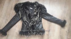 куртка из кожи с мехом енота