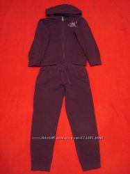Спорткостюм Benetton 4-5лет 110см на девочку.
