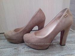 Бежевые и коричневые туфли. Стиль nude
