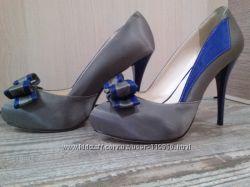 Нарядные атласные туфли
