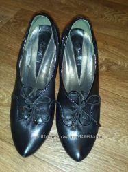 Продам замечательные туфли SharMAN в отличном состоянии размер 39. Набойки