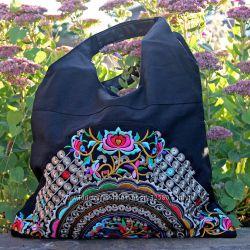 Красивые женские сумки из плотной ткани с вышивкой купить в магазине Киеве