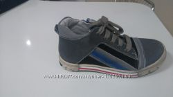 Продам фирменные ботинки Andre