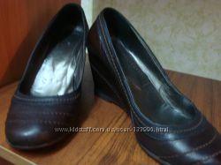 Кожаные туфли Италия 38 р.