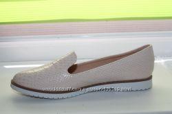 Лёгкие и удобные туфли  для девушки