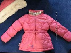 Продам новую розовую курточку skechers