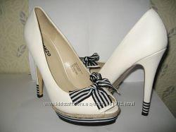 Туфли  38. 5 и 40 размер