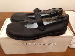 ZARA  шукільні туфлі для дівчинки