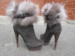 замшевые ботинки на высоком каблуке Sasha Fabiani. разм. 36-37