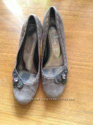 туфли  замшевые коричневые бу в хорошем состоянии 38р,