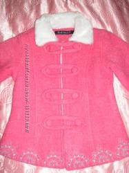 Пальто розовое с меховым воротничком. Снизила цену дальше некуда