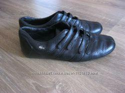 Продам кроссовки Lacoste