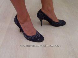 Модельные замшевые туфли на шпильке, размер 40