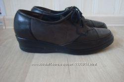 Кожаные туфли, полуботинки