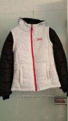 Отличного качества тёплая демисезонная курточка