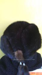 Норковая шапка с меховыми бубончиками, р 54.