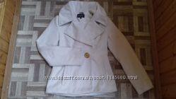 Белое укороченное пальто