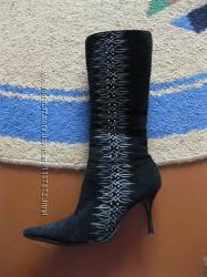 Сапоги женские с вышивкой