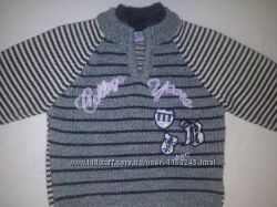 Теплый свитер для малыша