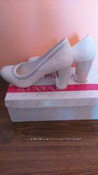 Весільні туфельки 35 розмір