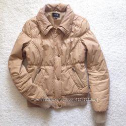 Куртка теплая бежевого цвета