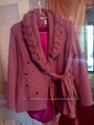 Крутейшее дизайнерское пальто.