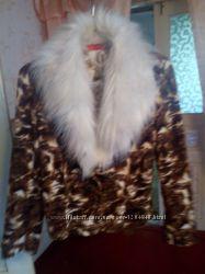 Стильная деми куртка с леопардовым принтоми искуственным мехом р. 46-48