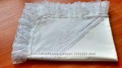 Крестильная крыжма из натуральной ткани и кружевом из четырех сторон