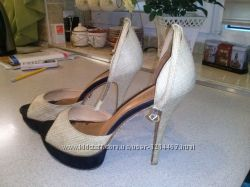 Эффектные туфли-босоножки Schutz