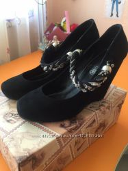 Шикарные замшевые туфли на танкетке ALEX BELL, 38р24, 5см