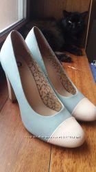 Нежно-голубые небесные туфельки с молочным мысочком на удобном каблуке 26см