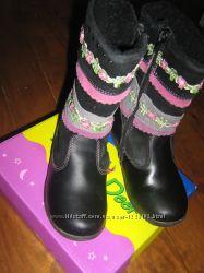 Почти новые кожаные сапожки для принцесы BG