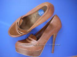 Туфли на шпильке 39р.