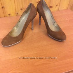 Туфли женские светло-коричневого цвета замшевые