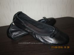 Балетки кожаные BATA