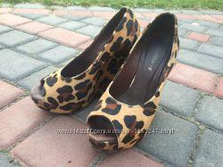 Шикарные женские туфли стильные на танкетке леопардовые недорого кожа