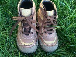 Ботинки кожаные 27 размера Chico на мальчика