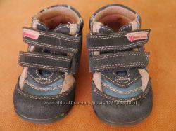 Демисезонные ботинки для девочек Blooms розово-синие