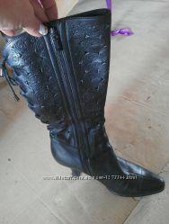 Женские осенние классические кожаные сапоги 38 размера