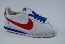 ������� ��������� Nike Cortez White