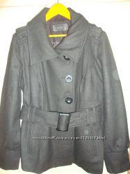Пальто-пиджак шерсть в новом состоянии.
