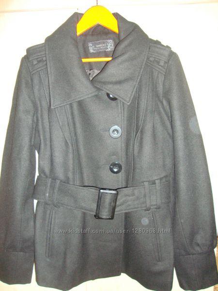 Пальто шерсть в новом состоянии.