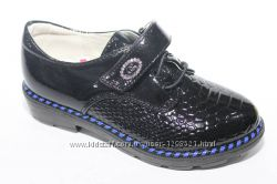 Лаковые демисезонные туфли  Yalike
