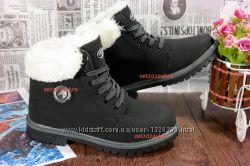 Женские зимние ботинки черного цвета с опушкой 36 р.