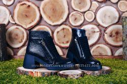 Лаковые ботинки на двух молниях