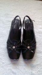Босоножки черные 39 размер