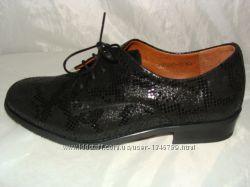женская кожаная обувь 35. 36. 37. 38. 39