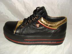 женская кожаная обувь 37. 38
