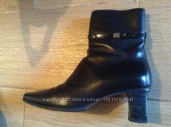 Кожаные черные ботинки Bally 36 р-ра