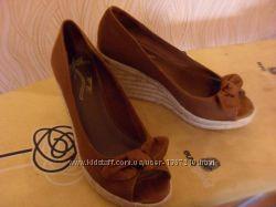 Туфли коричневые с открытым носиком и бантиком